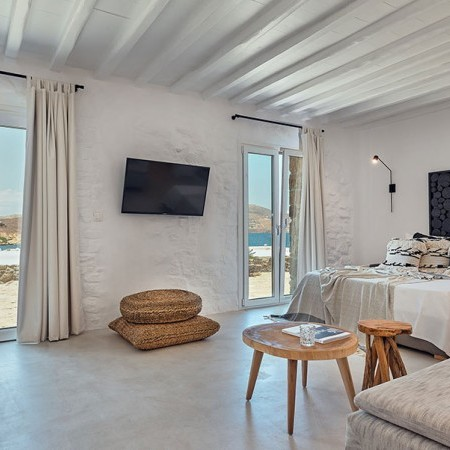 6 Bedrooms Villa Rental in Mykonos