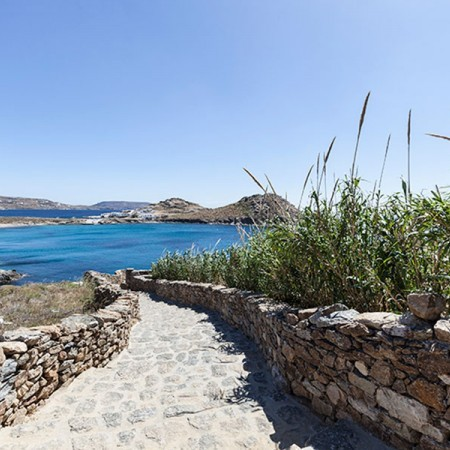 villa in Mykonos with beach access