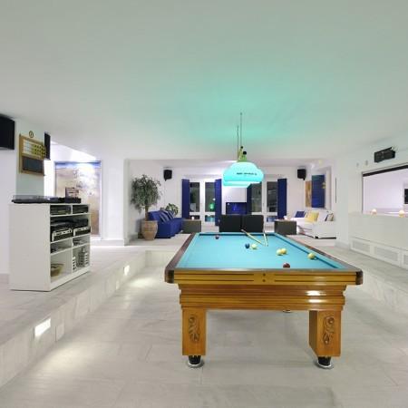 villa paradise play room