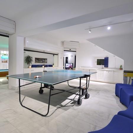 play room villa