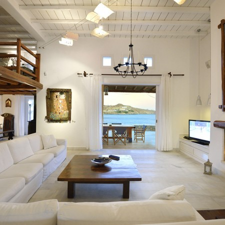 villa paradise living room