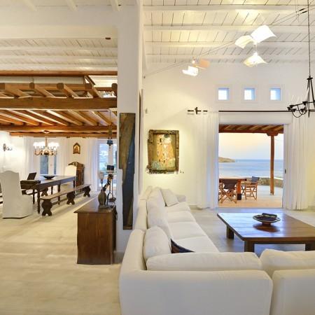 villa large living area