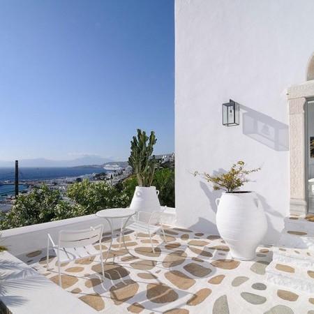 villa for rent near Myconos town