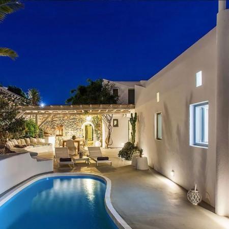 villa rental Myconos town