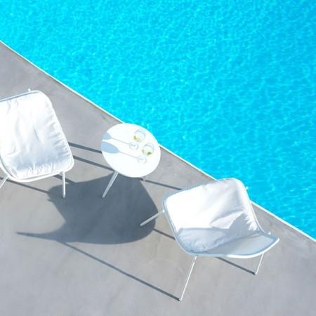 pool closeup photo