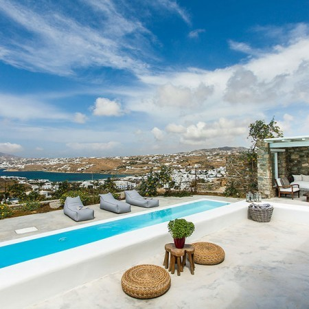rent a villa in Agios Ioannis Myconos