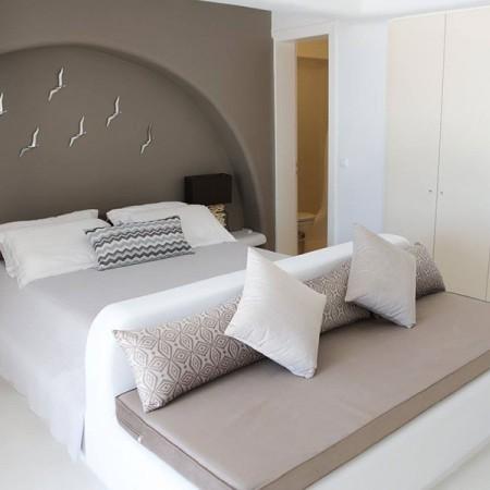 Master bedroom - one of the five bedrooms of villa