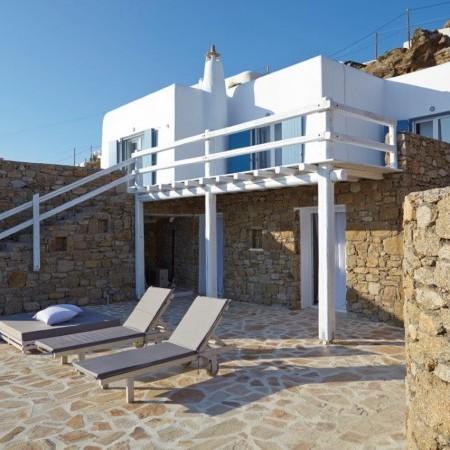 villa crystal exterior