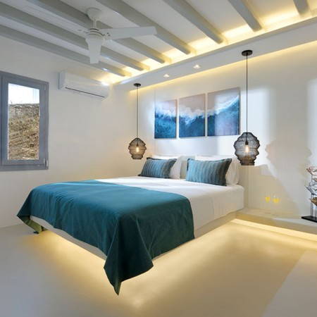luxurious villa rental close to Mykonos Town