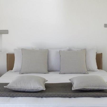 villa moon hill master bedroom