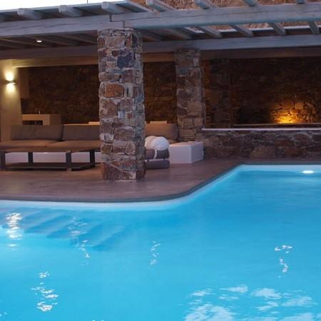 villa Purple pool lights