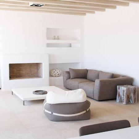 villa indoor living room
