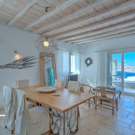 dining area villa aeolia