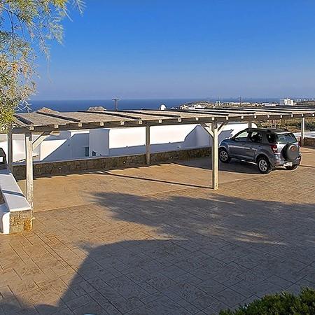 villa carissa parking lot