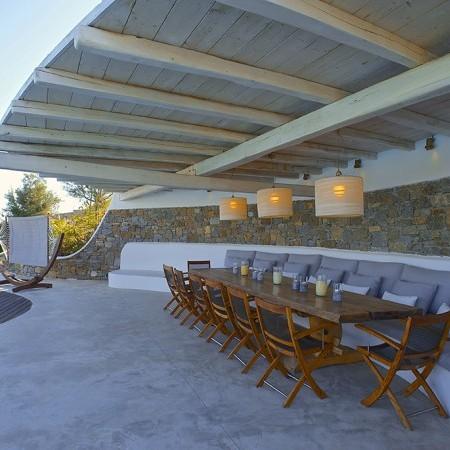 villa carissa outdoor sitting and dining