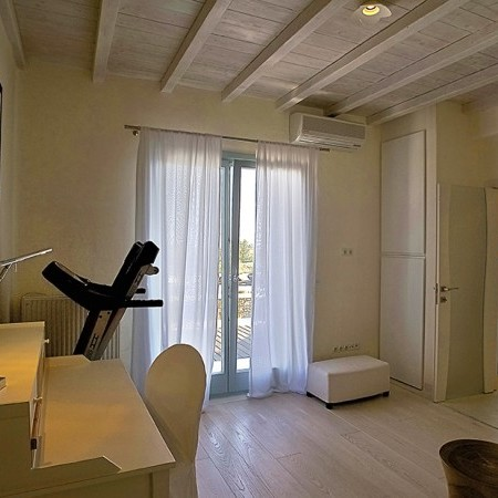 villa carissa master bedroom