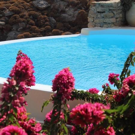 villa casa bedrock pool closeup