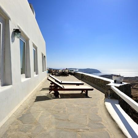 villa orsalia patio