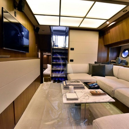 W yacht Greece