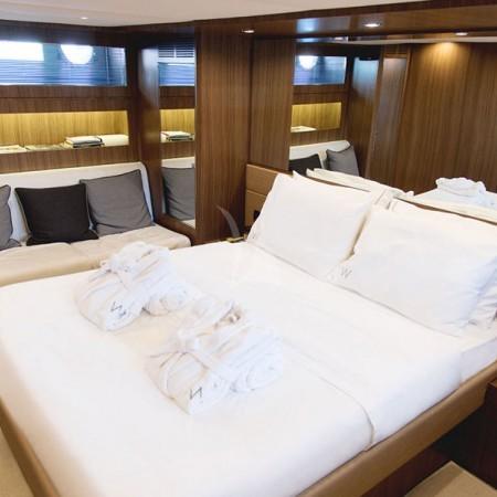 luxury yacht charters greece