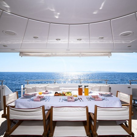 zen luxury yachtzen luxury yacht
