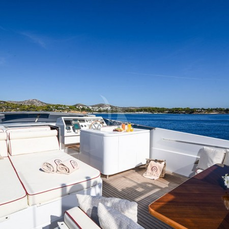 zen yacht deck
