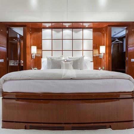 zen yacht cabin