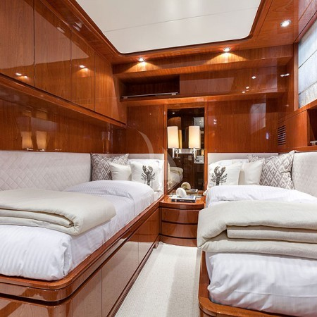 zen yacht twin cabin