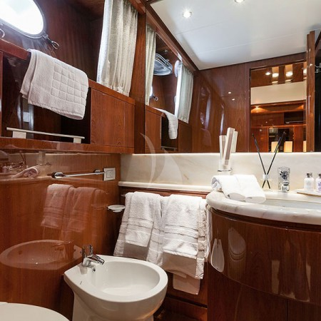 zen luxury yacht