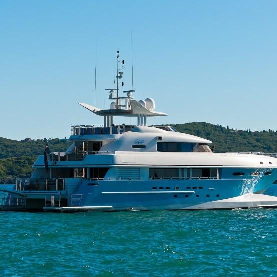 spirit mega yacht